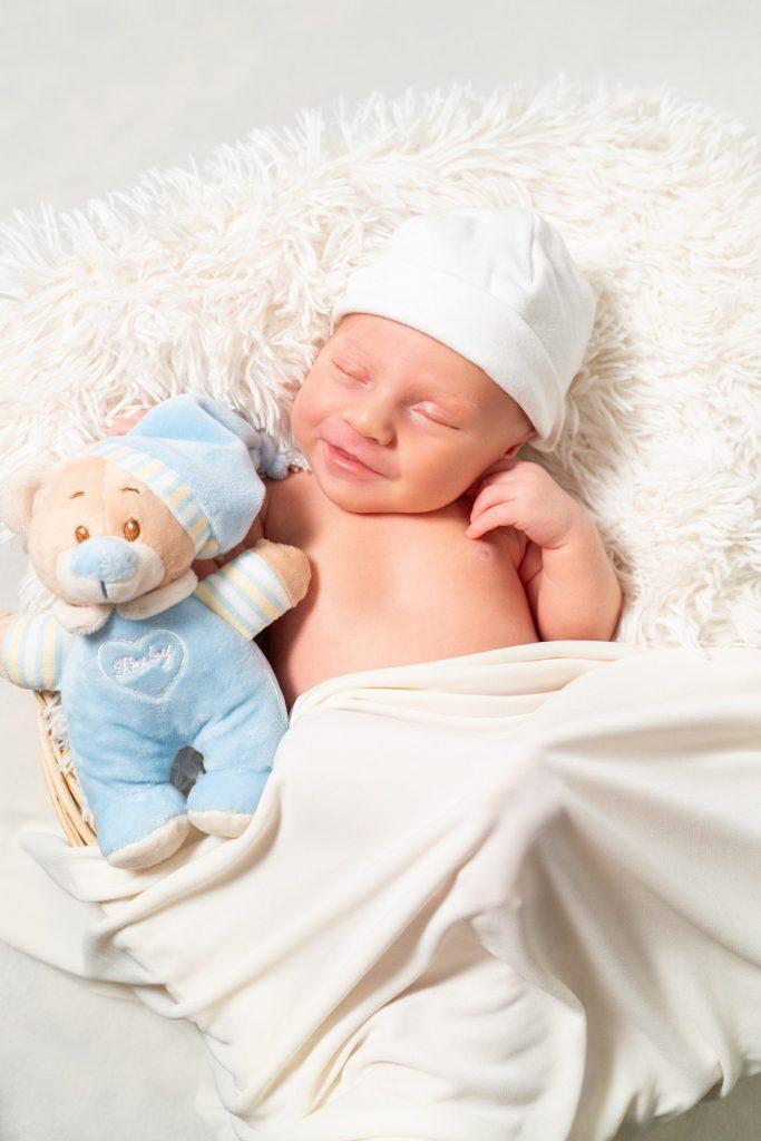 Φωτογράφιση νεογέννητου στη Λάρισα